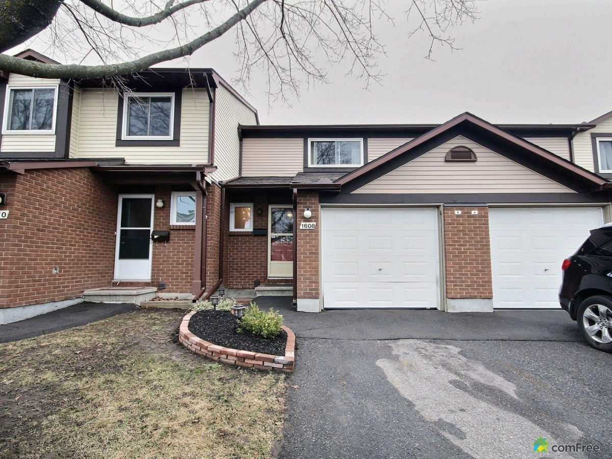 Charming townhouse priced right for you condo strata for Garage ad orleans