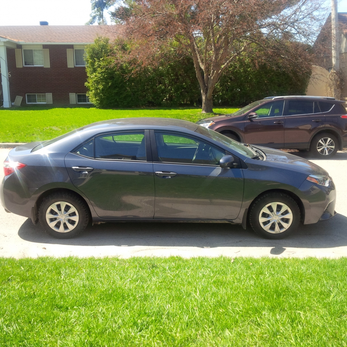 Lease A Toyota Corolla: Toyota Corolla 2015 CE, 8105 Km, Lease Transfer 295$/month